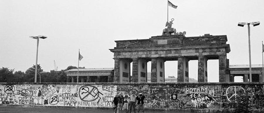 how long was the berlin wall